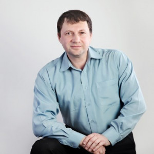 Александр Милов